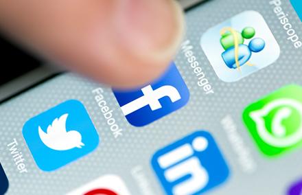 Social media -- blogimage